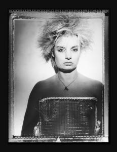 """4x5"""" opname met Polaroid 55 materiaal, negatief en positief in één. Heb je dus een negatief van 10x12cm."""